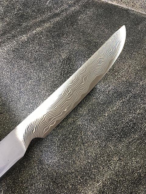 鋭い切れ味のステーキナイフ